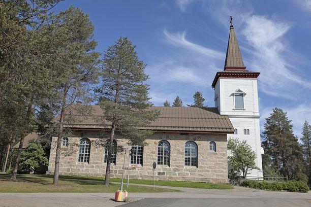Sodankylässä on todettu viisi koronaviruksen aiheuttamaa kuolemaa. Arkistokuva Sodankylän kirkosta.