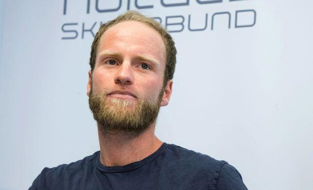 Norjan hiihtoliitto piti keskiviikkona Martin Johnsrud Sundbyn kärystä tiedotustilaisuuden.