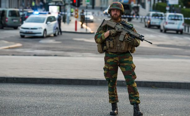 Belgian maavoimien komentaja, kenraali Marc Thys vahvisti uutistoimisto Reutersin haastattelussa, että univormupukuisista sotilaista on tullut yhä keskeisempi terroristien iskukohde Euroopassa.