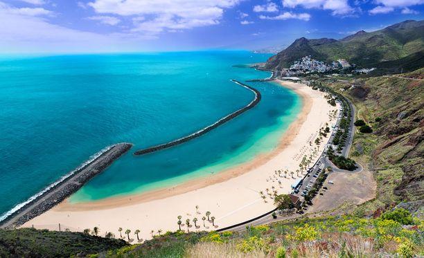 Teneriffan rannat houkuttelevat, mutta saarelta löytyy myös luksustason kylpylähotelleja.