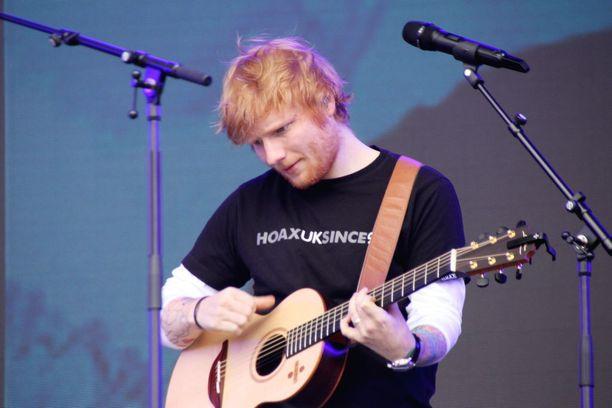 Ed Sheeran, 27, tekee menestyshittejä tasaiseen tahtiin.