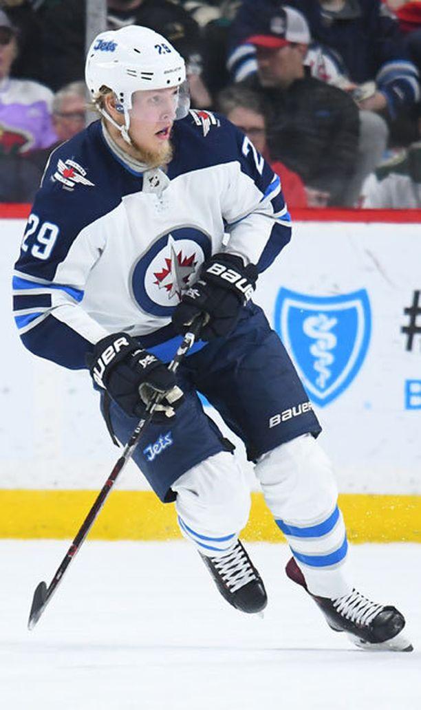 Winnipeg Jetsin Patrik Laine yksi maailman parhaista maalintekijöistä.
