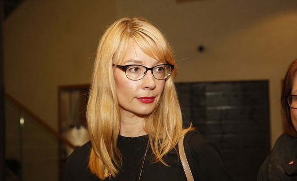 Suuren valiokunnan varapuheenjohtaja Tytti Tuppurainen (sd) vaatii rehellisyyttä.