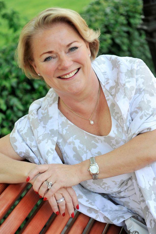 Onvest-konsernin pääomistaja, vuorineuvos Maarit Toivanen-Koivisto ilmoitti joulukuussa muuttavansa perheineen Portugaliin verotussyistä.