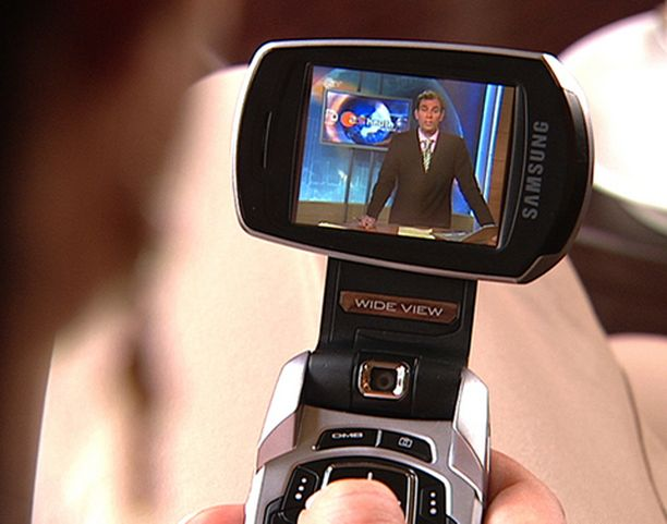 Varta vasten mobiilitelevision katseluun tarkoitetut päätelaitteet ovat vielä harvassa. Useimmat katsovat mobiili-tv:tä tavallisilla 3G-puhelimilla.
