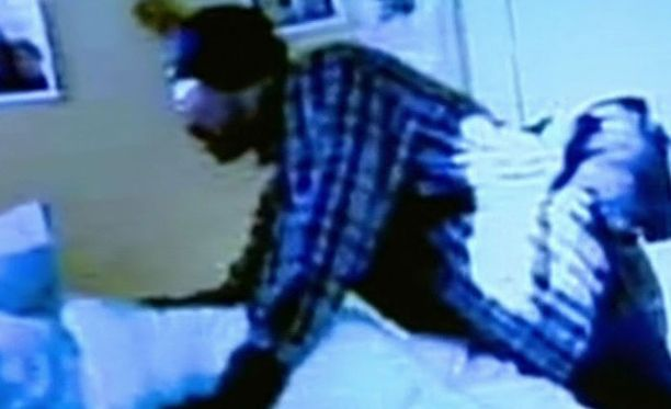 Blevinsin asuntoon murtautunut mies saatiin kameratallenteen ansiosta kiinni.