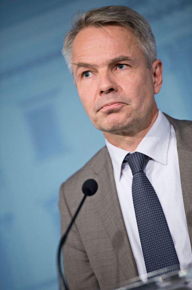 Kehitysministeri Pekka Haavisto pitää Isis-järjestöä poikkeuksellisen julmana terroristijärjestönä.