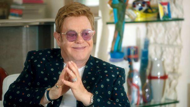 Elton John kertoo ohjelmassa, ettei haaveillut isyydestä kunnes tapasi nykyisen puolisonsa.
