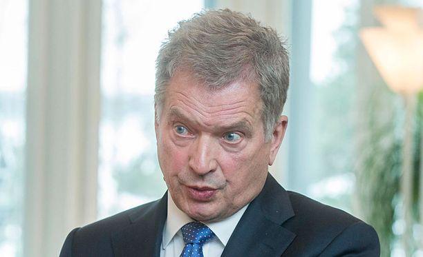 Presidentti Sauli Niinistö pitää puheen suurlähettiläille.