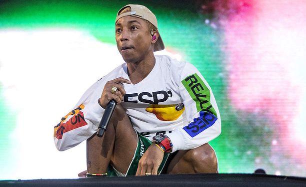 Pharrell Williams päätti N.E.R.D. -kokoonpanonsa kanssa tämän vuoden Ruisrockin, mutta Turun kaduilla mies sai kävellä rauhassa.