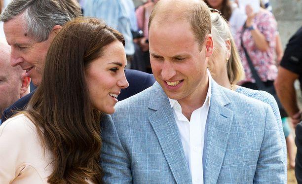 Cambridgen herttuaparin nuorimmaisen kastejuhlaa vietettiin heinäkuisena maanantaina.