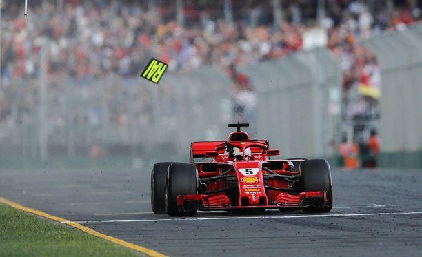 Sebastian Vettel ajoi Australian GP:n voittoon.