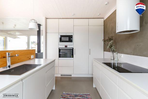 Kodin valkoinen keittiö on monen suomalaisen makuun.