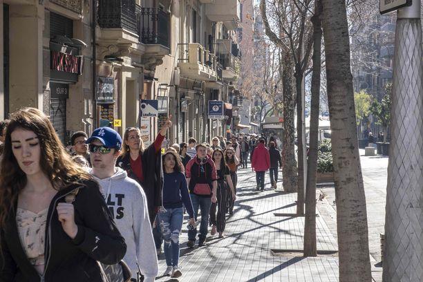 Barcelona on turistien suosikkikohteita. Rikollisuus on kuitenkin lisääntynyt turistikohteessa rajusti.