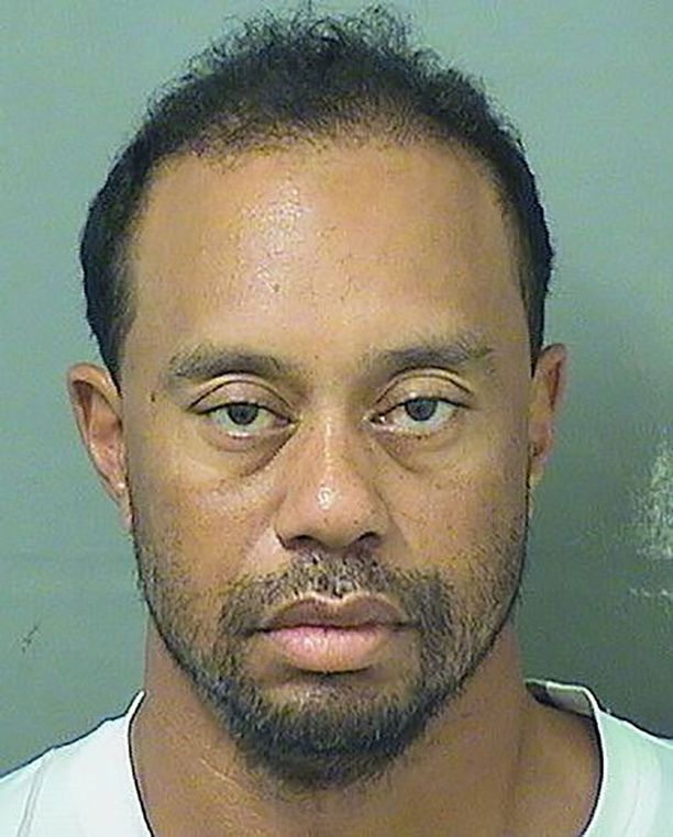 Tiger Woodsin pidätyskuva päätyi julkisuuteen varsin nopeasti.