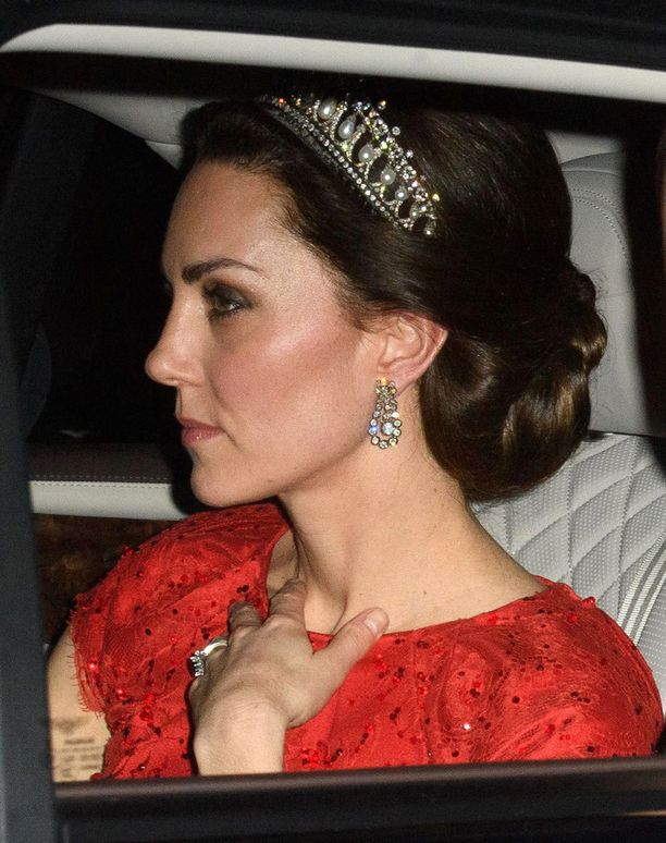 Catherine on kuin syntynyt kuninkaallisiin piireihin.