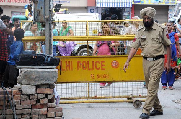 Poliisi tutkii 11 ihmisen erikoista kuolemaa Delhissä.