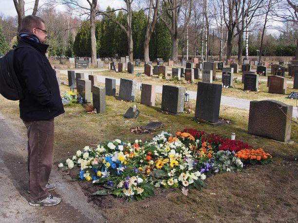 Marko Luukkanen on saanut elintärkeää apua vertaistuesta poikansa Santerin kuoleman jälkeen.