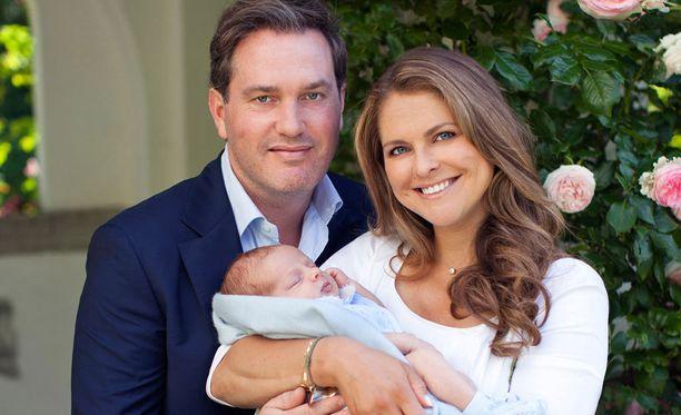 Prinssi Nicolas syntyi 15. kesäkuuta. Prinssin lisäksi hän on Ångermanlandin herttua. Kruununperimysjärjestyksessä hän on kuudentena.