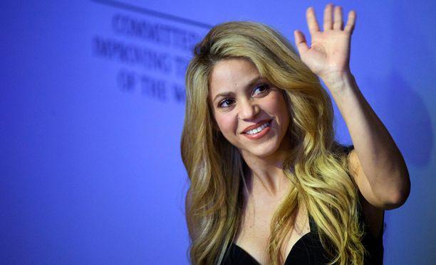 Shakira ei pääse häihin, sillä hänen miehensä jätti morsiamen ystävän taannoin.
