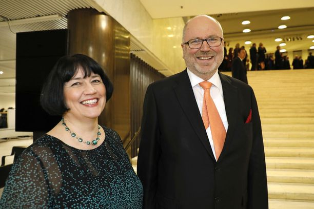 Eero Heinäluoma ja Ayla Shakir valtiopäivien avajaisissa helmikuussa.