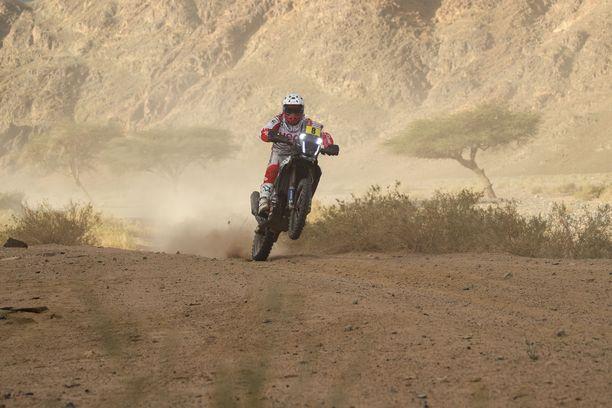 Näin Paulo Goncalves kaasutteli tämän vuoden Dakar-rallin neljännellä etapilla.