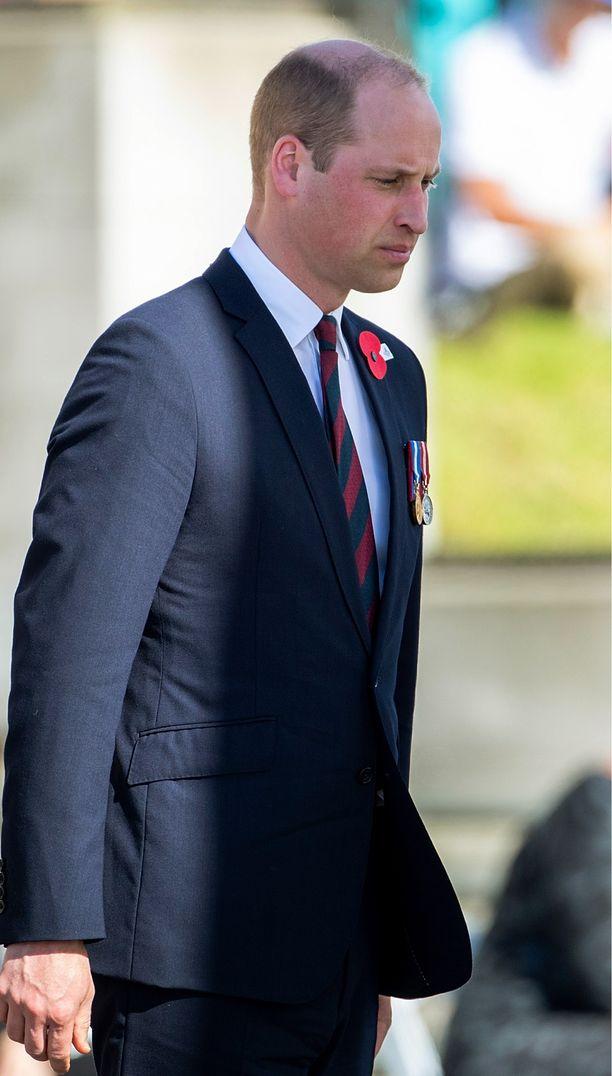 Prinssi William on Cambridgren herttua. Hän menetti äitinsä vain 15-vuotiaana prinsessa Dianan kuoltua auto-onnettomuudessa. Prinssi William on naimisissa herttuatar Catherinen kanssa ja pariskunnalla on kolme lasta.