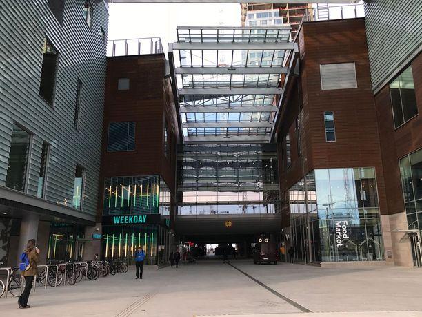 Helsingin Kalasatamassa sijaitseva kauppakeskus Redi avattiin 20. syyskuuta.