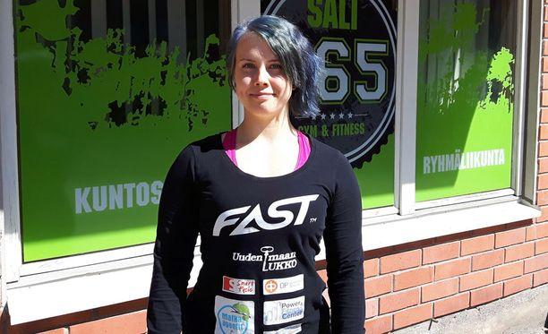 Susanna Törrönen nosti ME-raudat heti ensimmäisellä yrityksellään.
