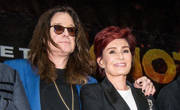 Sharon Osbourne harkitsee paraikaa avioliittonsa jatkoa Ozzy Osbournen kanssa.