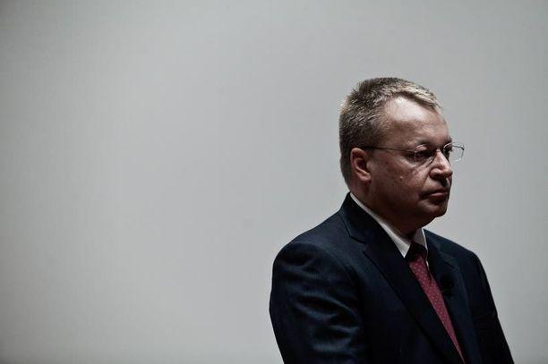 Stephen Elop oli väärä mies Nokian johtoon, uutuuskirjassa summataan.