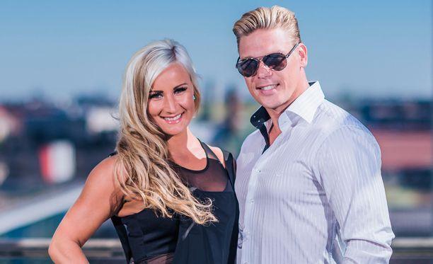 Aki ja Rita tulivat tunnetuiksi Temptation Island Suomi -sarjasta.