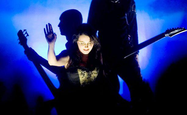 Hollantilaisen Within Temptationin synkkää sointia kuullaan heinäkuussa Oulussa.