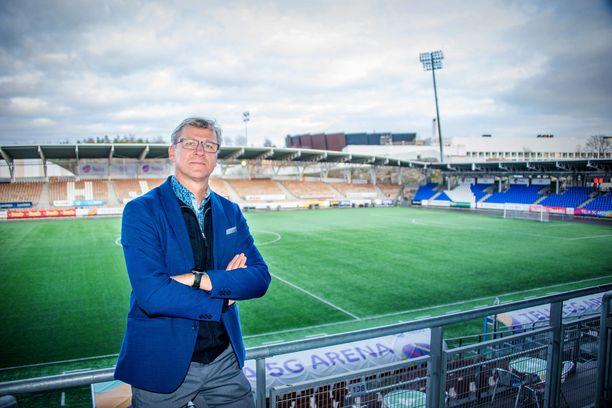 Huuhkajien päävalmentaja Markku Kanerva toivoo solidaarisuutta.