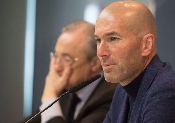 Zinedine Zidane ilmoitti eilen lehdistötilaisuudessa eroavansa Real Madridin päävalmentajan tehtävästä.