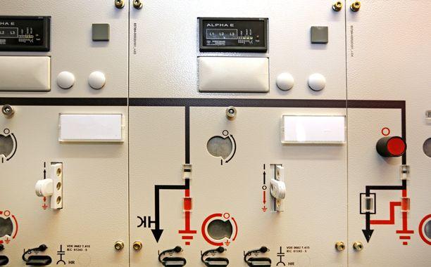 Tukes muistuttaa, että sähkötöiden tekeminen vaatii aina ammattilaista ja väärin tehdyt asennukset tai korjaukset voivat olla hengenvaarallisia.