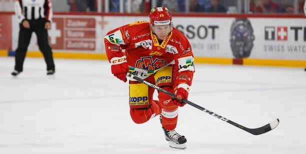 Toni Rajala on aloittanut kauden Sveitsissä piste per peli -tahdilla.