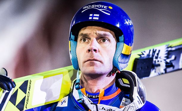 Janne Ahonen kilpaili marraskuun lopussa toipilaana maailmancupissa Rukalla. Tuloksena olivat sijat 29 ja 32.