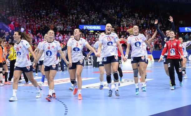 Norjan naisten käsipallomaajoukkue juhli EM-kultaa viime joulukuussa. Kuvituskuva.
