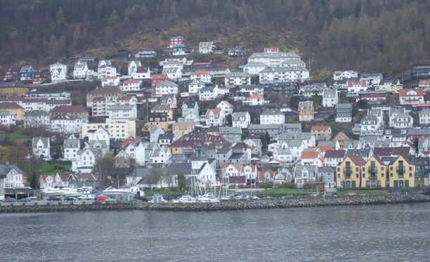 Heikkokuntoinen valas pyrki rantaan Bergenin edustalla Norjassa.
