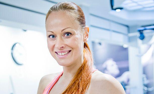 Jenni Levävaara tietää, että parisuhteessa voi päästä lihomaan.