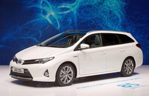 Toyotan vahvuutena on malliston laajuus - Auris on myydyin Toyota.