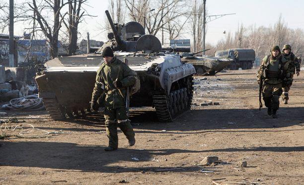 Separatistien mukaan aseistuksen vetäminen vie kaksi viikkoa ja se on määrä aloittaa tänään.