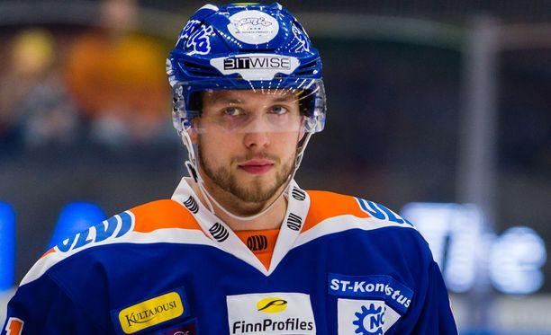 Jukka Peltolan Tappara on sillassa.