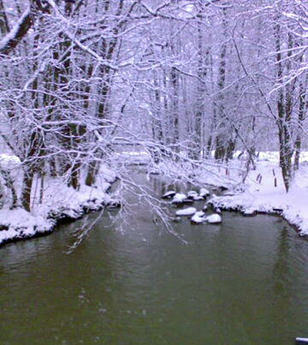 Eteläänkin satoi ohut lumipeite viikonloppuna.