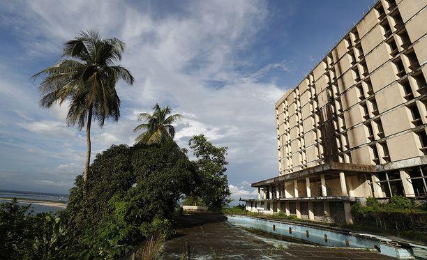Kahdeksankerroksinen Ducor Palace oli aikoinaan Afrikan ylellisin hotelli.