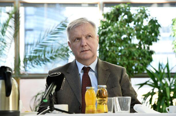 - Merkit viittaavat siihen, että Rosatom-sopasta on kehkeytymässä vakava teollisuuspoliittinen pohjakosketus, rummuttaa veteraanikomissaari Olli Rehn blogissaan.