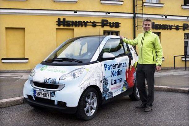 Ilkka Tiainen oppi Saksassa, että lähes ilmaiset pienet vuokra–Smartit miellyttävät kaikkia osapuolia.