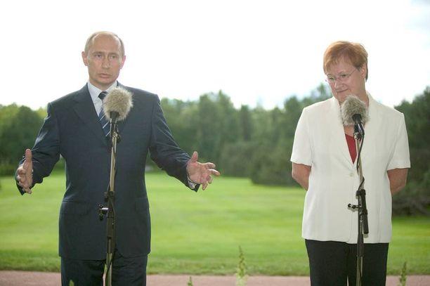 Halonen ja Putin tapasivat Kultarannassa vuonna 2005.