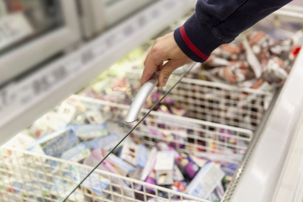 S-ryhmän kaupoissa myytiin kesäkuussa yli 3,3 miljoonaa litraa jäätelöä.